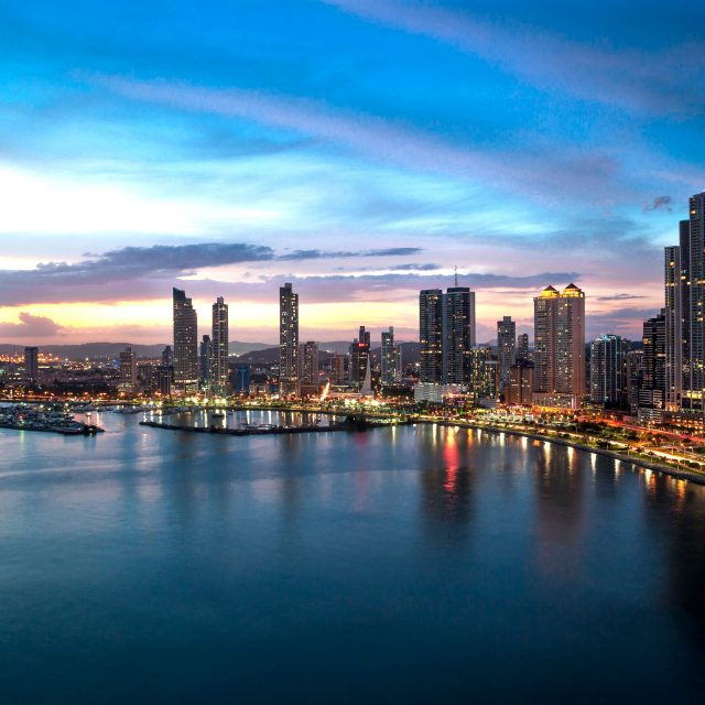 MEF Informa que Standard & Poor's mantiene calificación y grado de inversión de Panamá